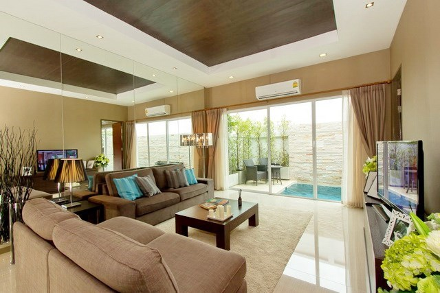 House for rent East Jomtien showing the living area