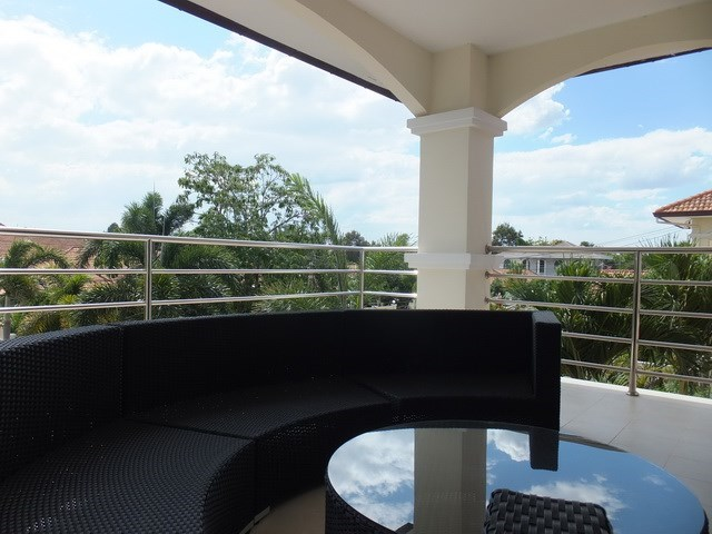House for Sale Mabprachan Pattaya showing the master bedroom  balcony