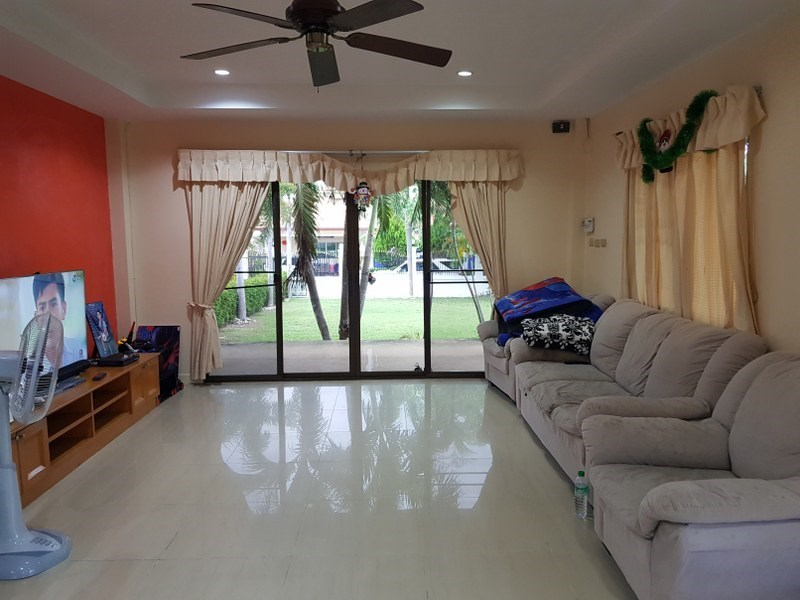 House for Sale Mabprachan Pattaya showing the living area