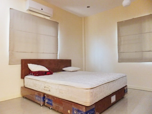 House for Sale Mabprachan Pattaya showing the third bedroom