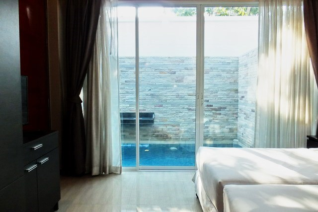 House for sale East Jomtien showing the master bedroom pool view