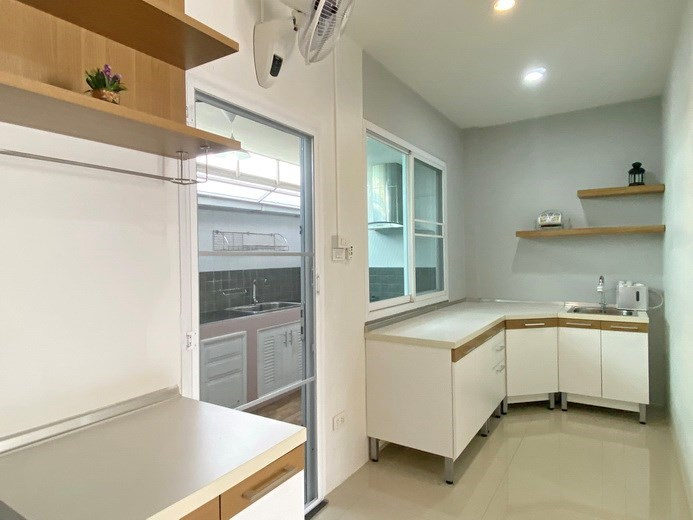 House for sale East Pattaya showing the kitchen areas